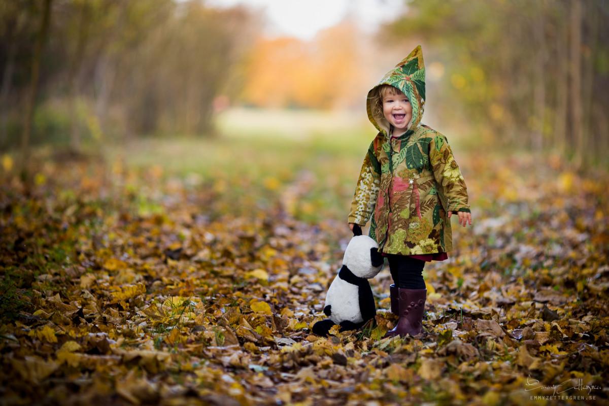 Children in Landscapes by Emmy Zettergren