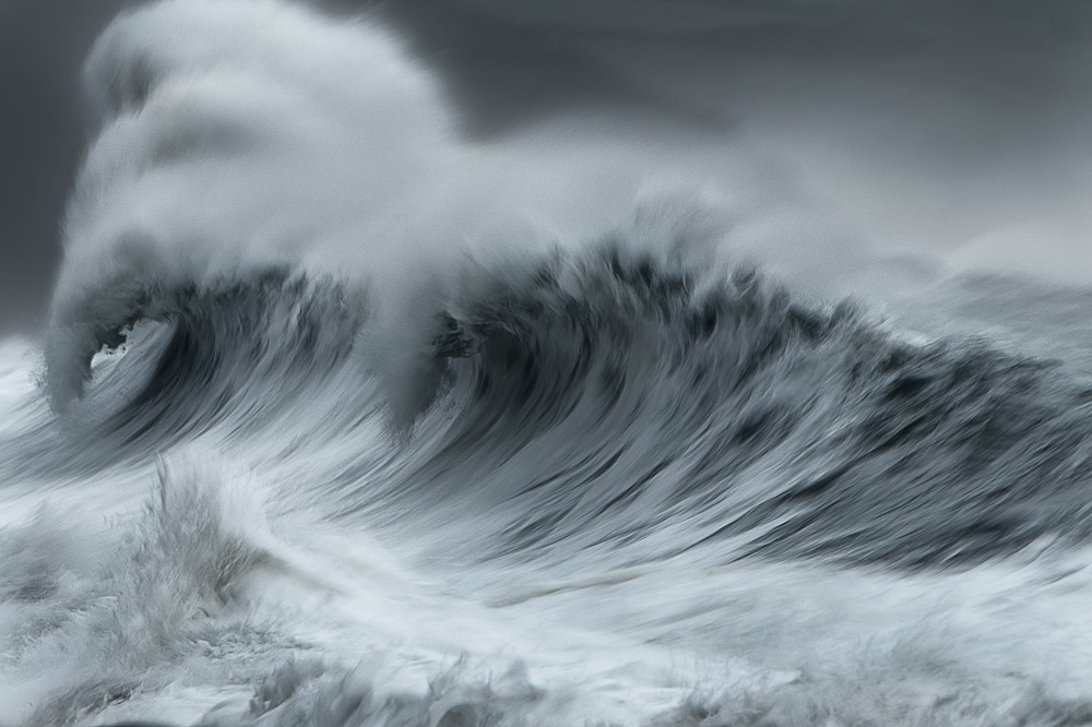 Dramatic seascape photography with big waves